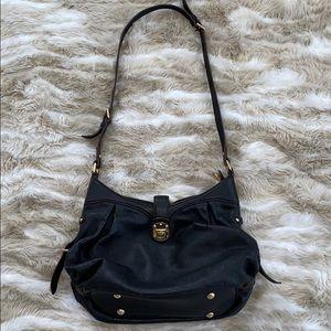 Lovely EUC Louis Vuitton crossbody bag.